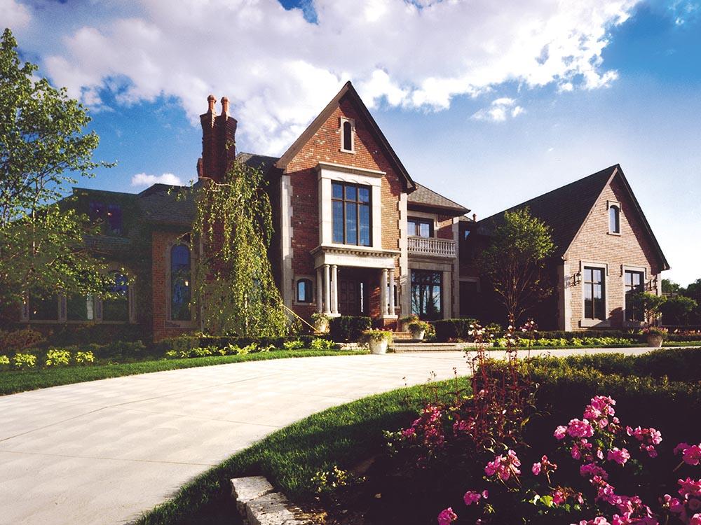 Bellagio estate home exterior