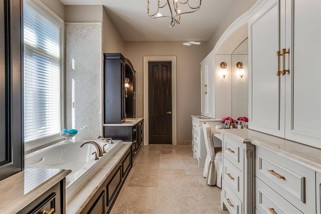 Bath with large tub and dressing area